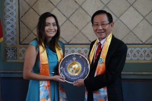 Dr. Hong, Tao-Tze Lauded by LA Mayor for Preserving Traditional Chinese Culture and Promoting Peace